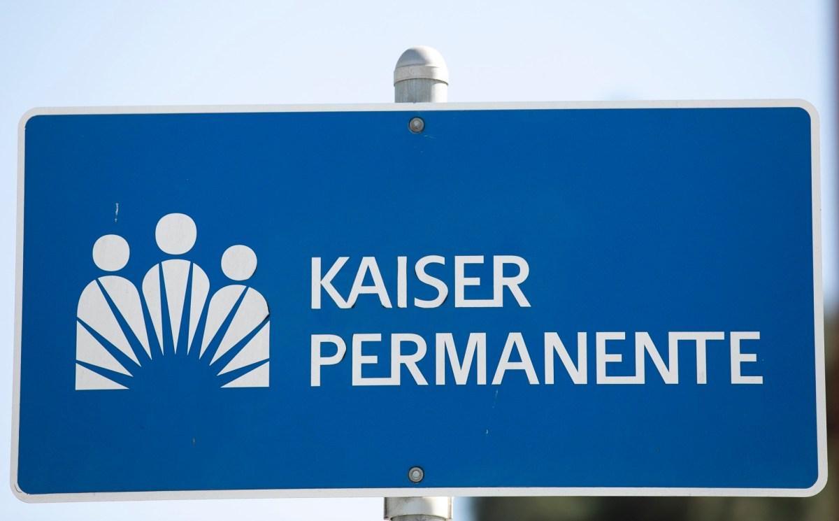 Kaiser Permanente ha sido multada por el estado por no haber considerado la transmisión por el aire de COVID. Fotografía de Anne Wernikoff para CalMatters