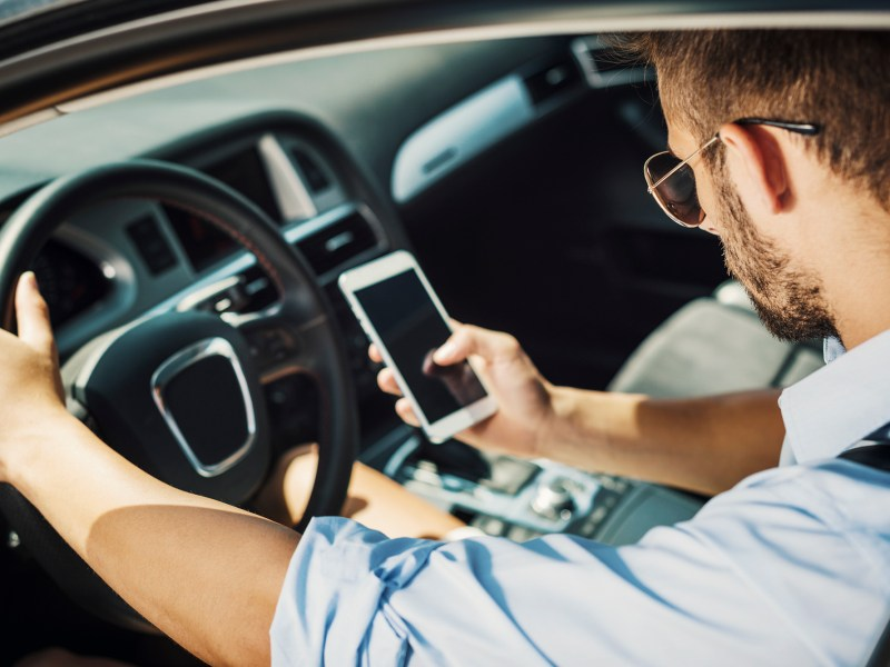 A group of Uber drivers filed a class-action lawsuit against the gig-economy giant Thursday, alleging it pressured them to support Prop. 22 via continuous in-app messaging. Image via iStock