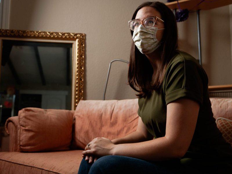 Un retrato de Sarah Kane en su casa de Cupertino, el jueves 24 de septiembre de 2020. Foto de Randy Vázquez, Bay Area News Group