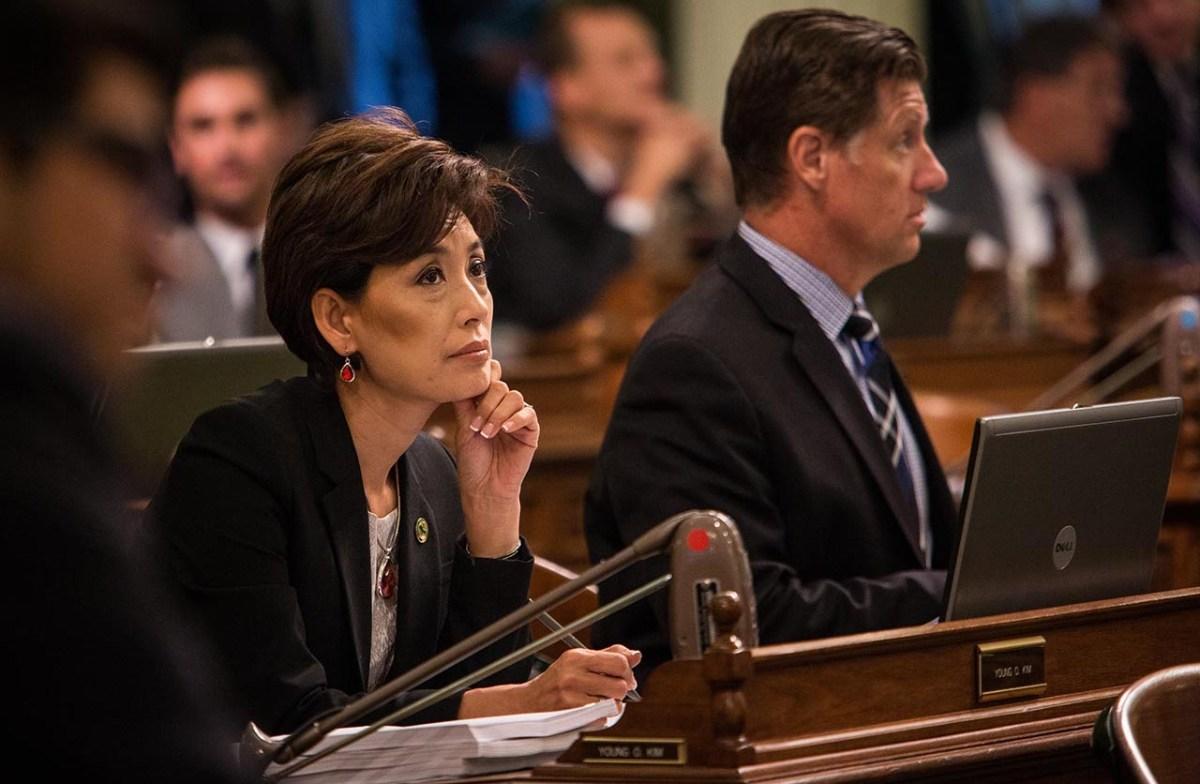 La republicana Young Kim lidera su carrera por el 39° distrito del Congreso de California, que incluye partes de los condados de Orange, Los Ángeles y San Bernardino. Foto de Max Whittaker para CalMatters