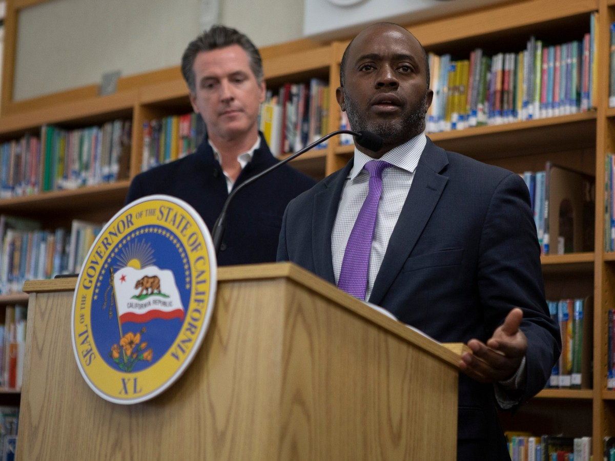 California Superintendent of Public Instruction Tony Thurmond speaks at a press conference at Blue Oak Elementary School in Shingle Springs, CA on October 31, 2019. Photo by Anne Wernikoff for CalMatters
