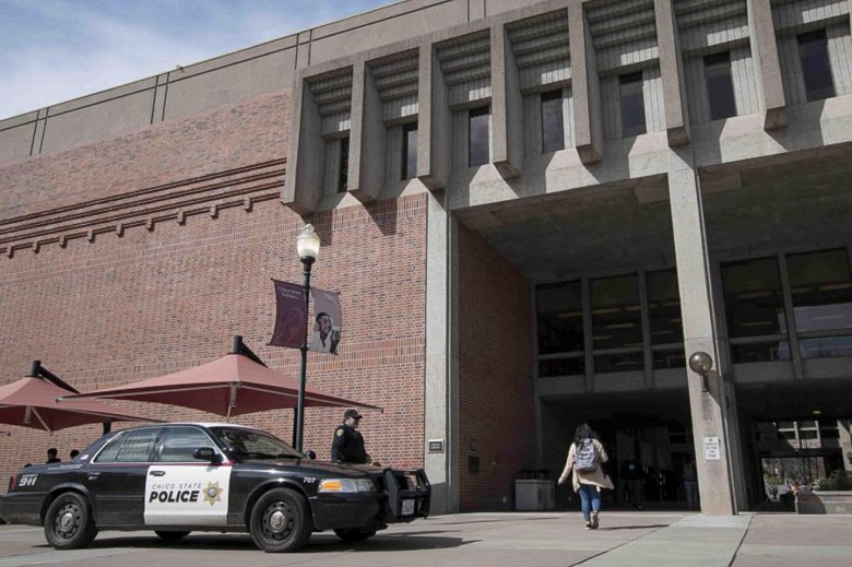 Chico State Police were present outside Meriam Library following rumors about a suspicious subject on March 4, 2019. Photo by Kendall George, Chico State's The Orion