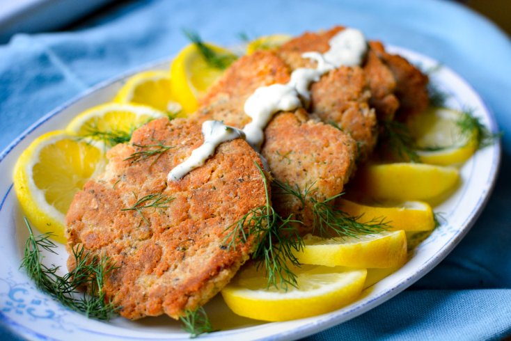 Salmon Cakes with Lemon Dill Sauce
