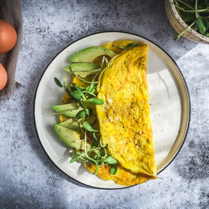 3 Ingredient Avocado and Greens Omelette