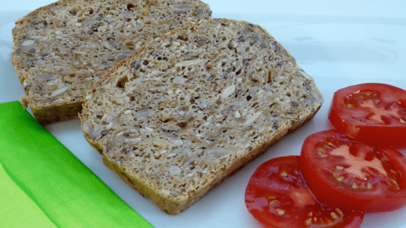 Image shows slices of Sukrin bread with tomatoes, as described in this article about favorites on CALMERme