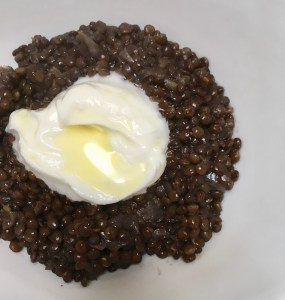 Photo showing spicy beluga lentils with sheep yogurt from CALMERme.com