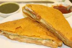 filled bread slices pakora
