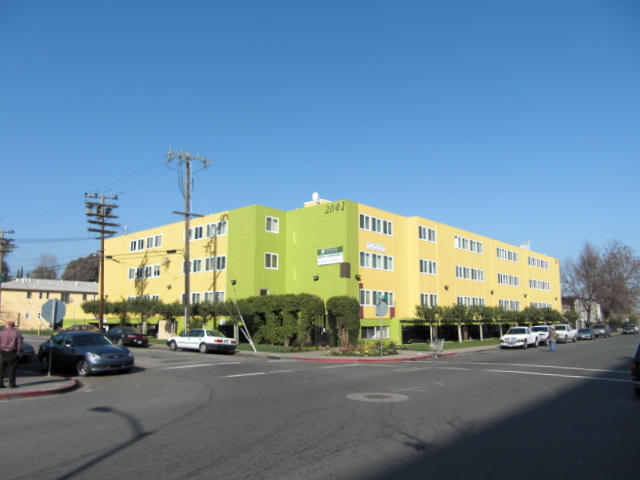 Remodeled 60-unit apartment