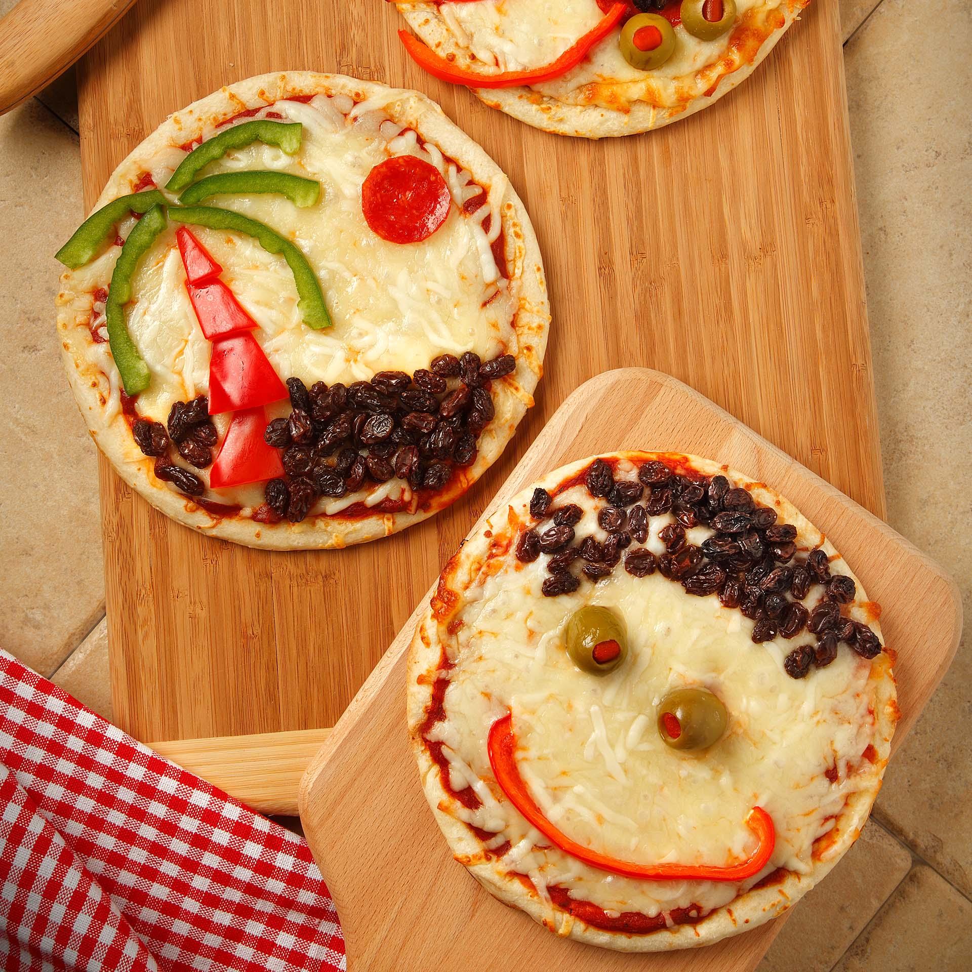 Kids Raisin Pizza