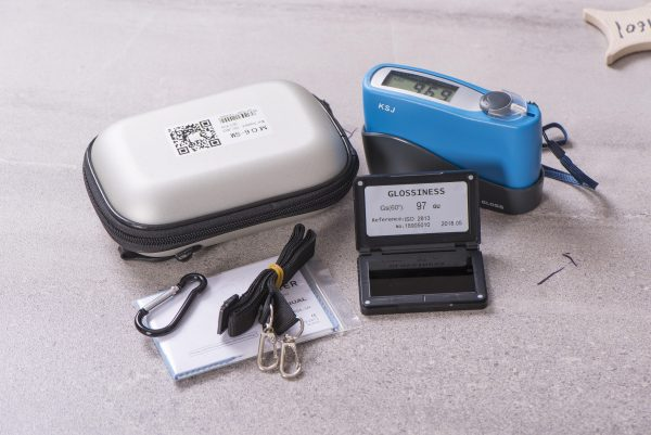 KSJ MG6-SM Gloss Meter with included accessories