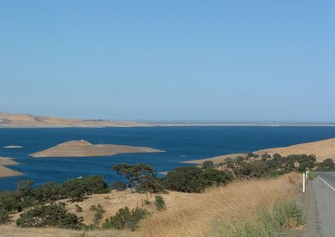 San Luis Reservoir photo by Kjkolb/Wikimedia