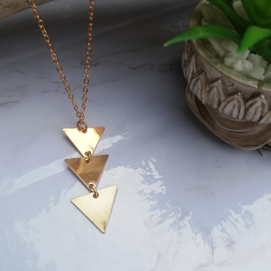 Collier Long Acier Doré Trois Triangles