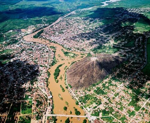 Nanuque Minas Gerais fonte: i2.wp.com