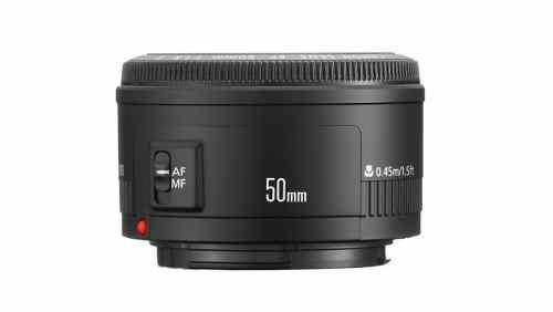 Una lente 50mm f/1.8