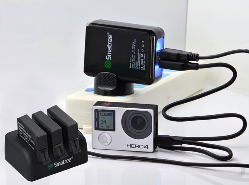 Smatree - Reemplazos de baterías y cargador para GoPro Hero4
