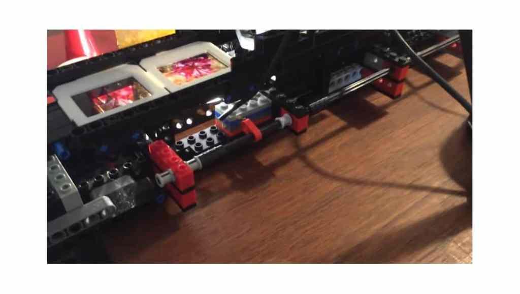 Cómo hacer un escaner con piezas de LEGO y tu cámara DSLR