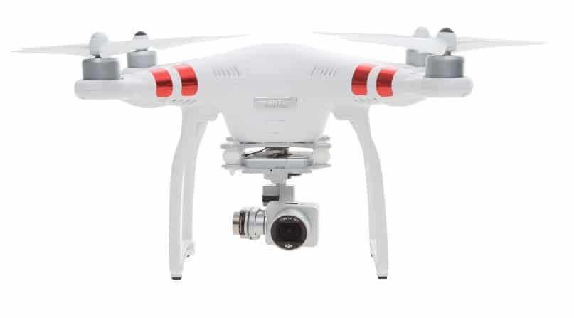 DJI Phantom 3 - Drone con cámara (unos 529 euros)