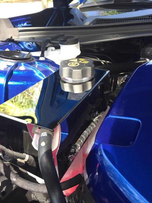 2016 – 2021 6Th Gen Camaro V6 & V8 Radiator Coolant Tank Cover