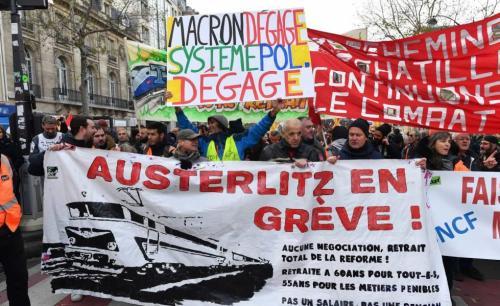 Francia: el pulso entre Macron y el movimiento social continúa