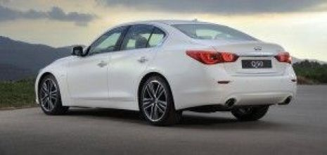 Q50 TRASERA LATERAL