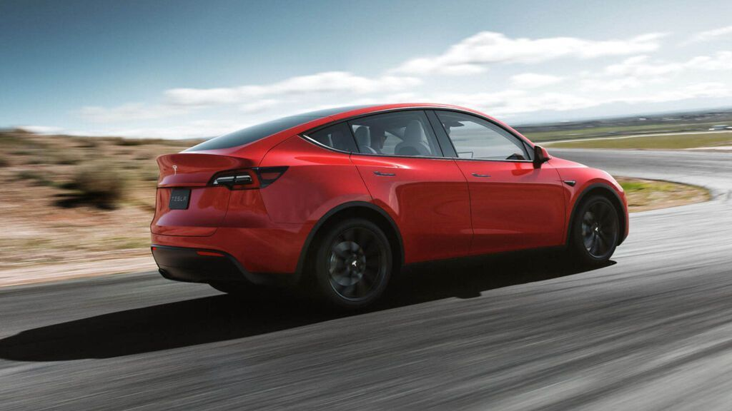 TESLA MODEL Y LATERAL TRASERA