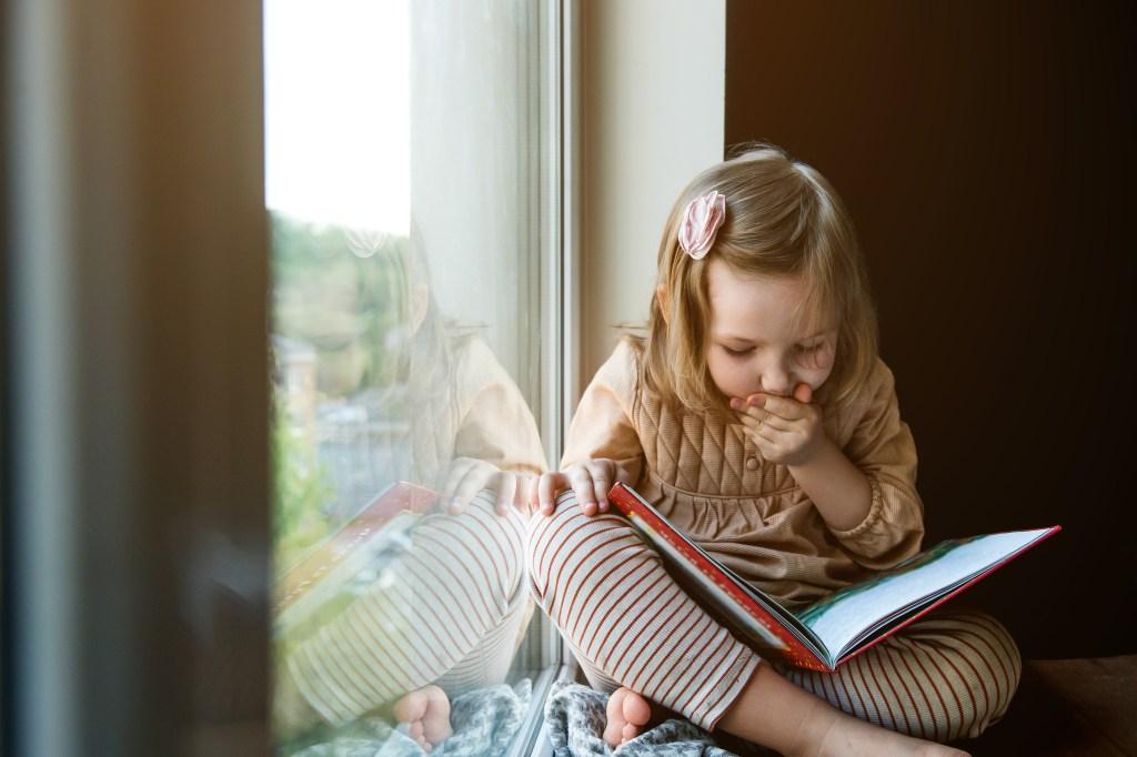 Cuentos-infantiles-en-inglés-con-cambly-niña