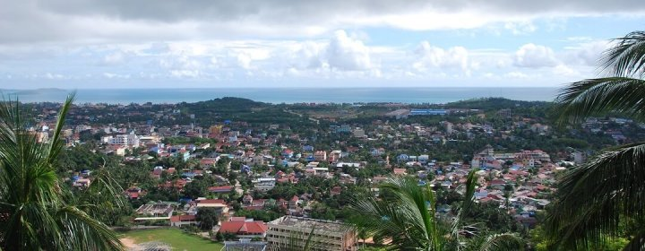 Uitzicht over Sihanoukville vanuit Wat Leu
