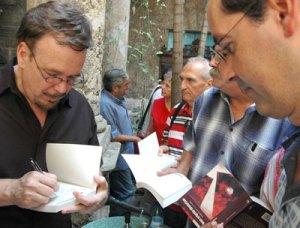 Román de la Campa joins Cambria Press as series editor