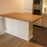 Solis Oak top breakfast bar