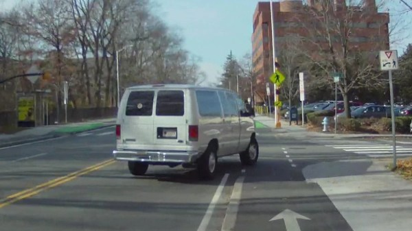 Right hook and left cross threat on Concord Avenue bikeway
