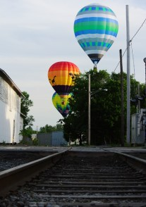 Balloons-with-train-tracks
