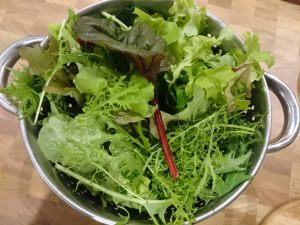 winter-salad-leaves-camelcsa-181116