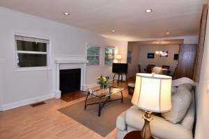 866 Magnolia St Ardmore WS For Sale living room
