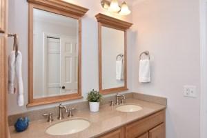 360 Stanaford, bathroom
