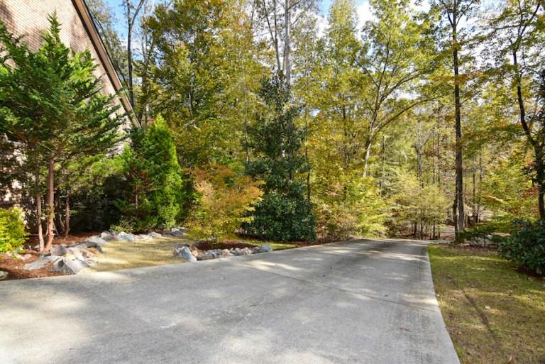5201 Riverwest, Lewisville, NC driveway