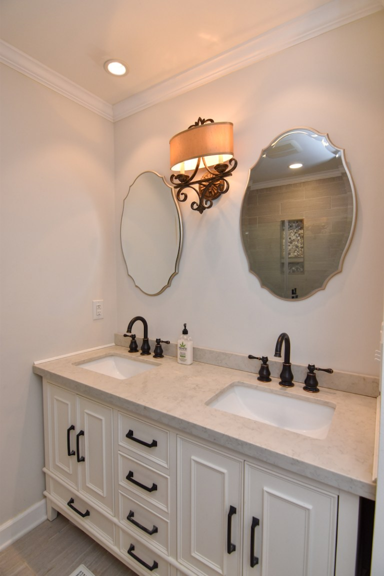 3979 Quilling Road For Sale, primary bath