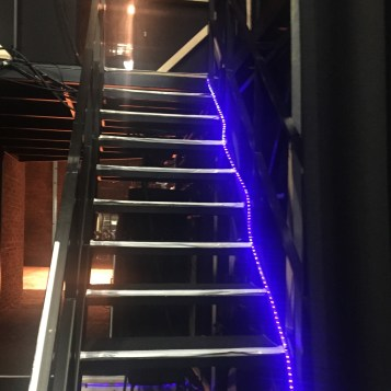 barbican-coulisse-luminosite-chemin