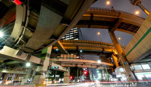 箱崎ジャンクションクルマの光跡をいれて撮影