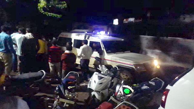 डिण्डौरी में दो बाइक आमने सामने से भिड़ीं, दो की मौत