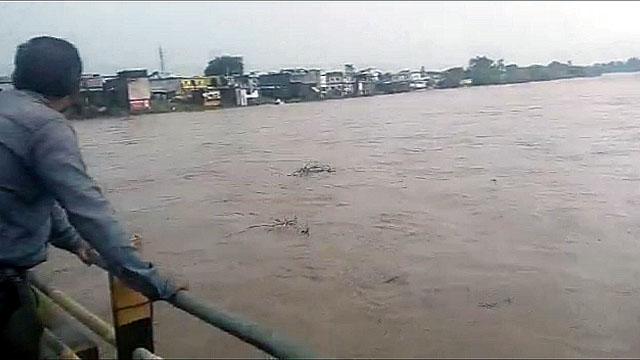 डिण्डौरी की नर्मदा नदी का बढ़ रहा जलस्तर