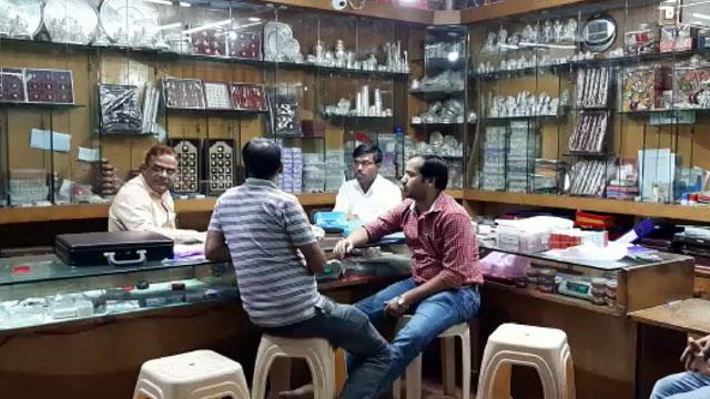 आयकर टीम ने बालाघाट में ज्वेलर्स दुकान पर मारा छापा