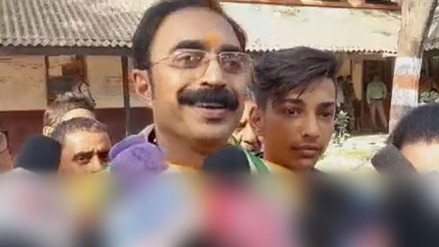 कांग्रेस प्रत्याशी संजय सिंह ने वारासिवनी से भरा नामांकन
