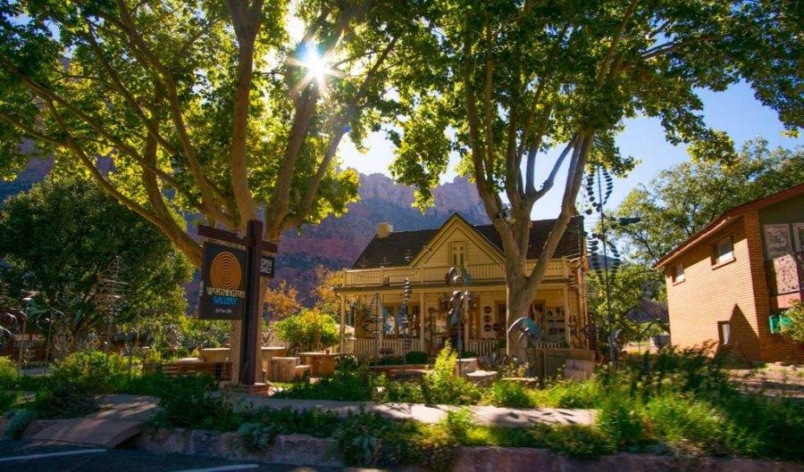 Houses in springdale, Utah