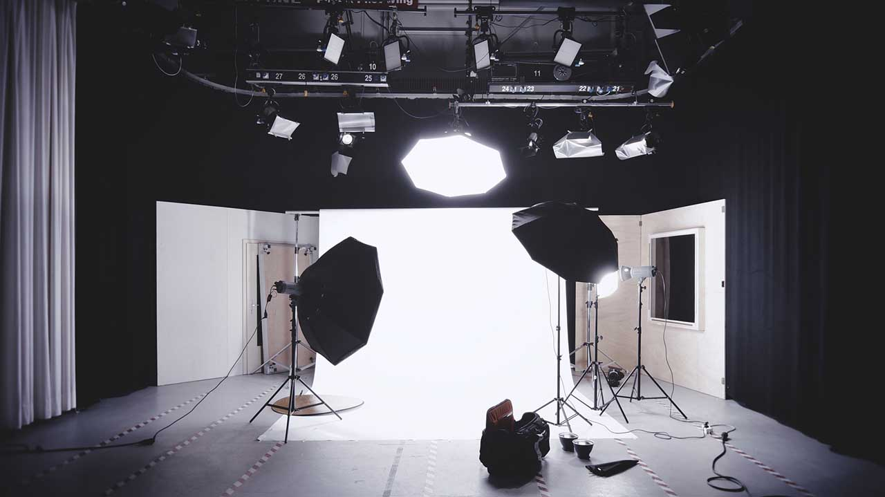 5 studio lighting techniques photographers can live by & 5 studio lighting techniques photographers can live by | Camera Jabber azcodes.com