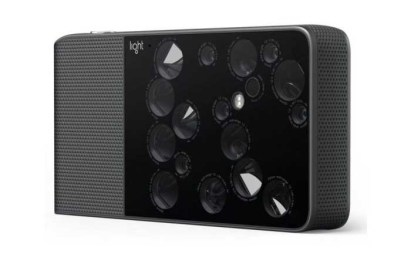 Light L16 camera now shipping