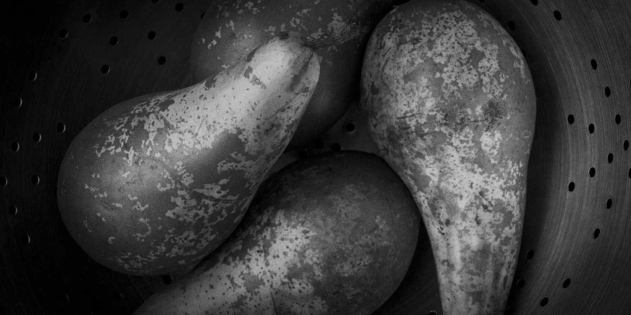5 minutes in Photoshop: Crop square and convert to monochrome