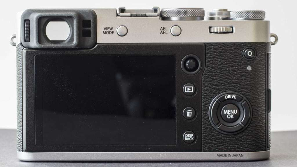 Fuji X100F review back