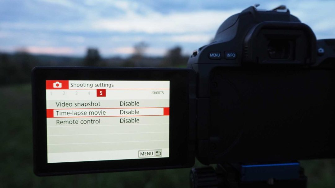 How to set up a timelapse on the Canon EOS 200D / Rebel SL2: enable timelapse