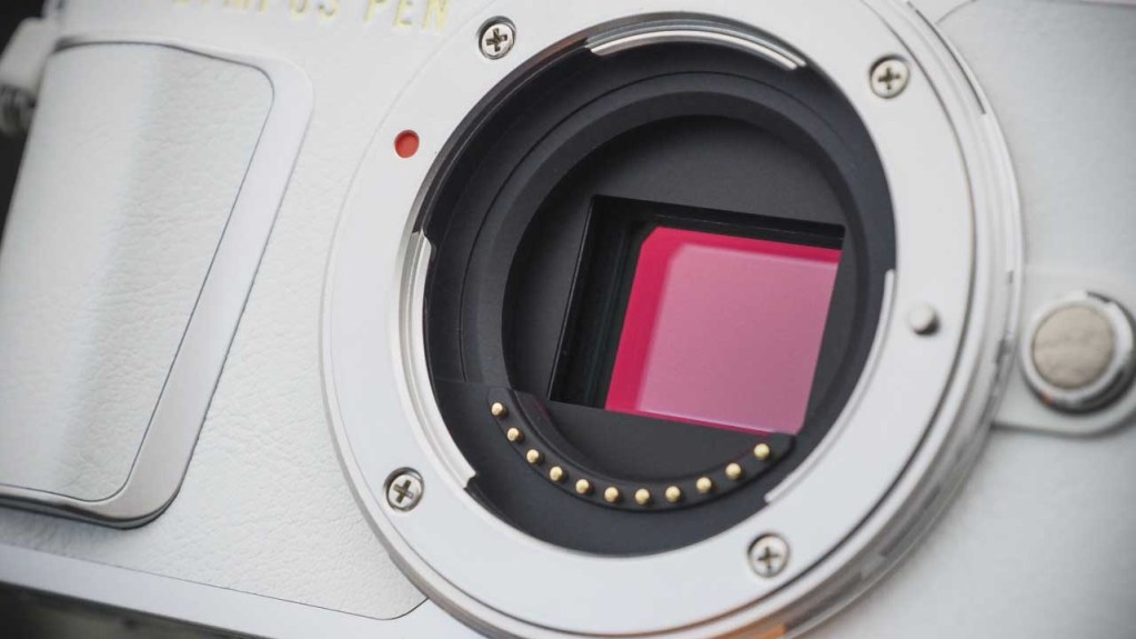 Olympus EPL9 review - Sensor
