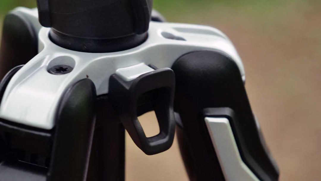 Manfrotto BeFree Advanced GT review: hook
